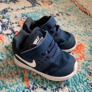 Nike size 4 toddler sneakers - blue, like new
